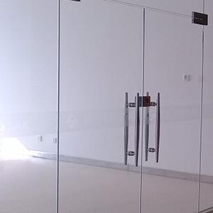 塞伯罗斯二维码读卡器不能安装在这种门上