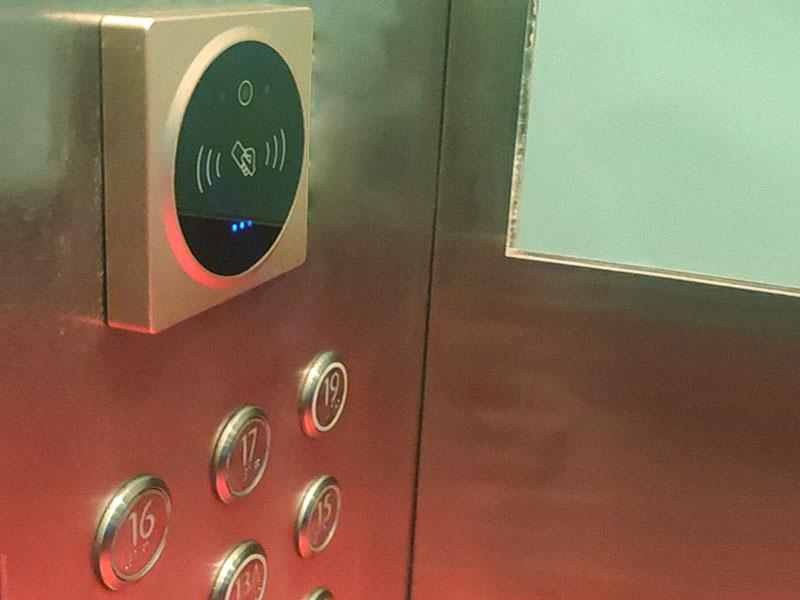 电梯等密闭性场所